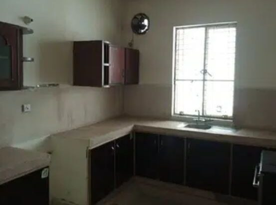 1 Kanal Beautiful Upper Portion Available For rent On Hot Location