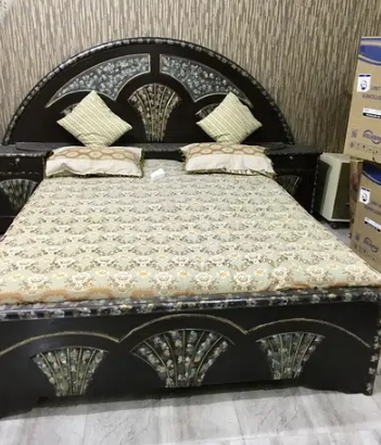 bed, mattress,dressing table,, pillow, showcase for sale in lahore