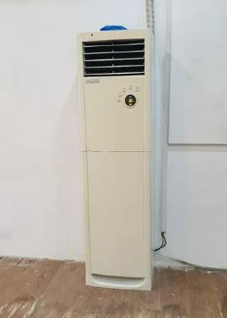 Electrolux 2 ton Cabinet AC in new condition one season used only