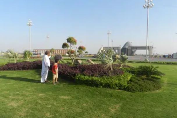 125 square yard plot is available for sale in bahrai town karachi