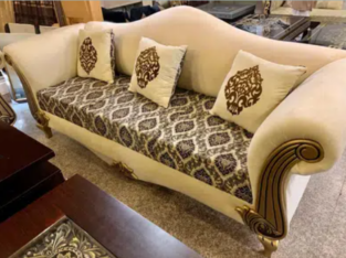 victorian 6 seater sofa set 2 months used