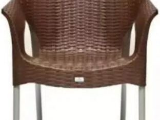 4 Plastic chair and table FOR SALE