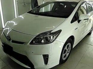 Toyota Prius 1.8 S for sale in karachi